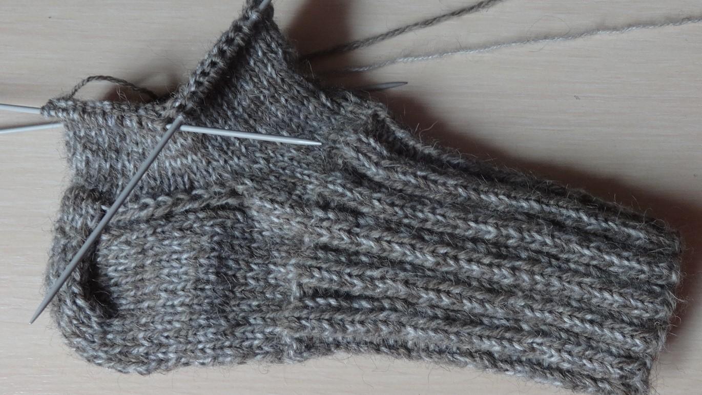носки пятка изнаночными петлями. схема вязания