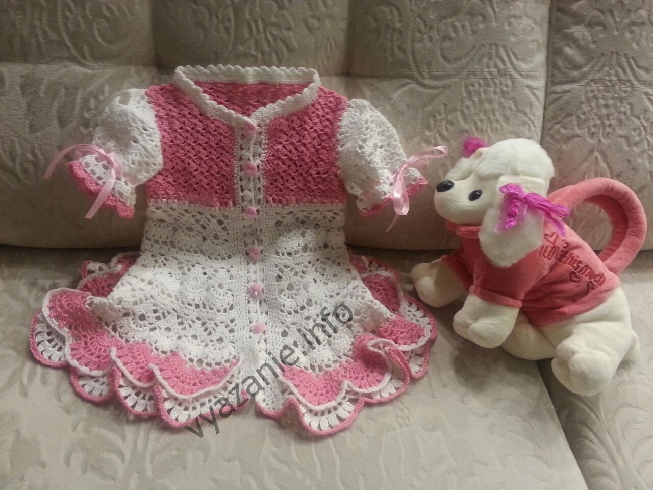 платье для девочки крючком на 3 года фото
