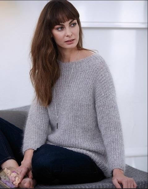 свитер спицами классический