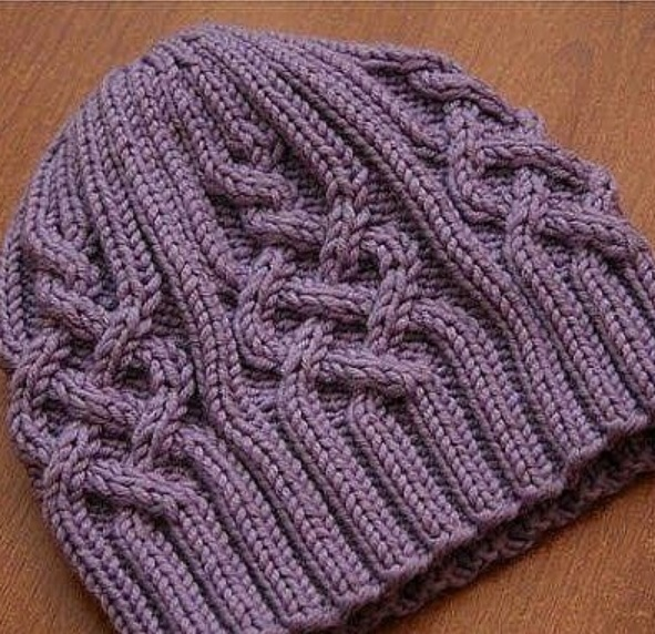 вязаная шапка с аранами