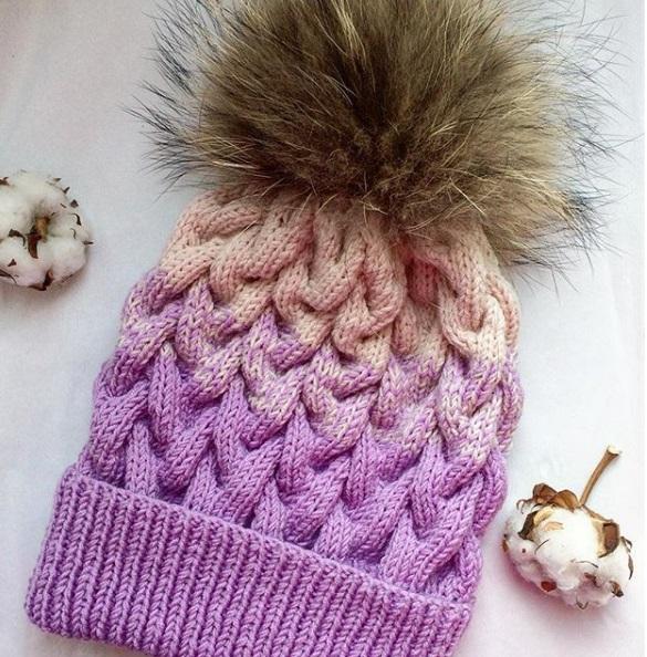 шапка косами спицами с описанием схемой вязания три варианта