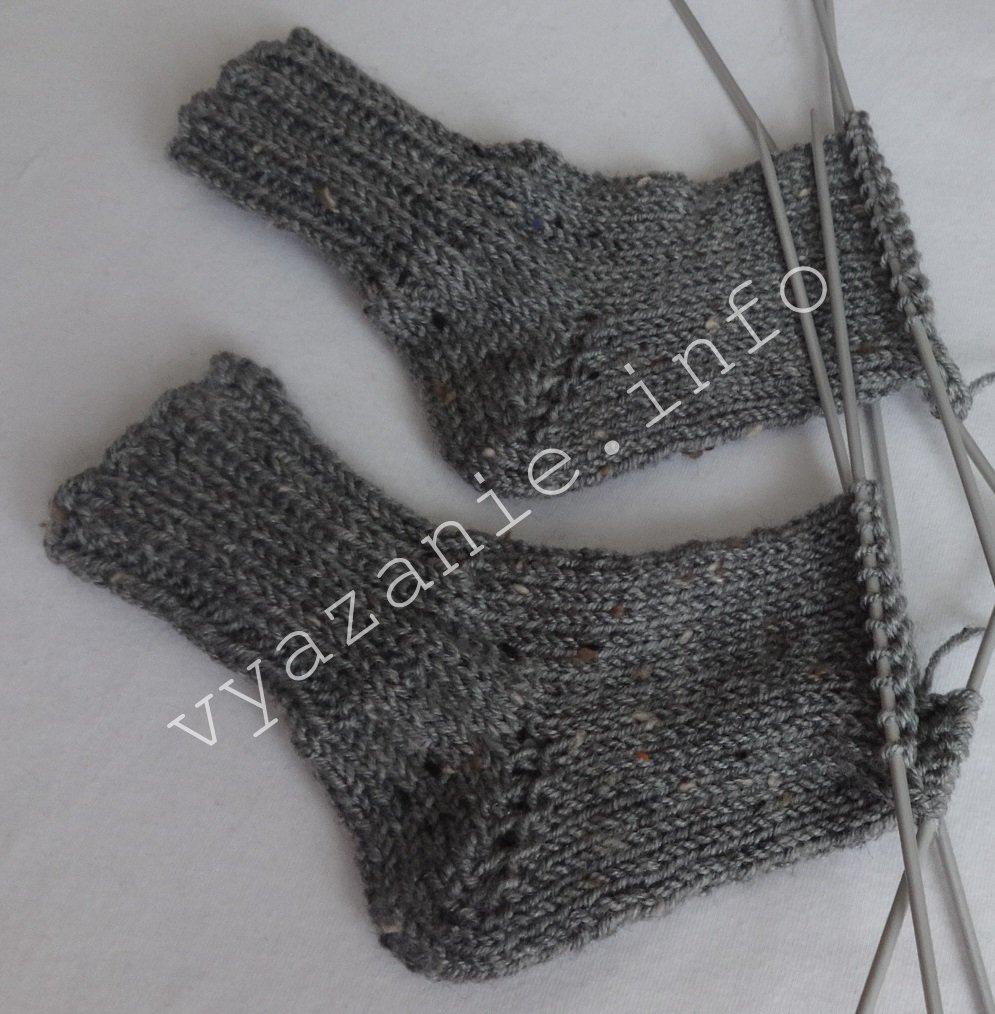 -пятка-бумеранг Как связать детские носочки спицами (лёгкий способ)