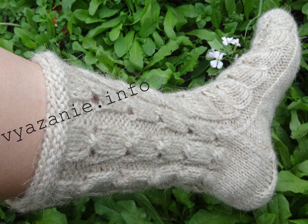 динные вязаные носки на 5 спицах
