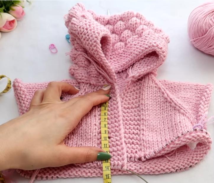 вязание комбинезона для новорожденного